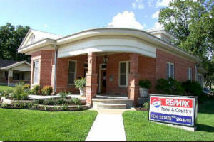 Fredericksburg Texas real estate for sale by Fredericksburg TX REMAX Realtors.
